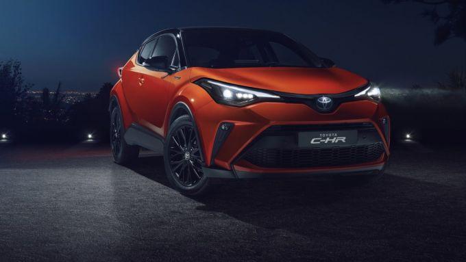 Toyota C-HR 2020: look più moderno in dimensioni compatte