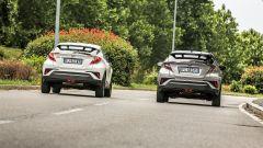 Toyota C-HR Hybrid  e Toyota C-HR 1.2 Turbo a confronto su costi e piacere di guida