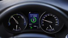 Toyota C-HR restyling, l'ibrido si fa in due. Il nostro test - Immagine: 11