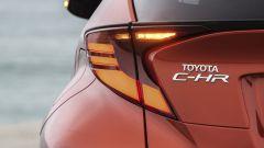 Toyota C-HR restyling, l'ibrido si fa in due. Il nostro test - Immagine: 22
