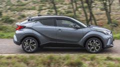 Toyota C-HR restyling, l'ibrido si fa in due. Il nostro test - Immagine: 25