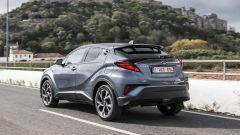 Toyota C-HR restyling, l'ibrido si fa in due. Il nostro test - Immagine: 26