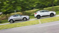 Toyota C-HR Hybrid  vs Toyota C-HR 1.2 Turbo: la Turbo è più scattante