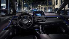Toyota C-HR: le foto degli interni