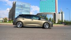 Toyota Corolla Hybrid 2019: in movimento