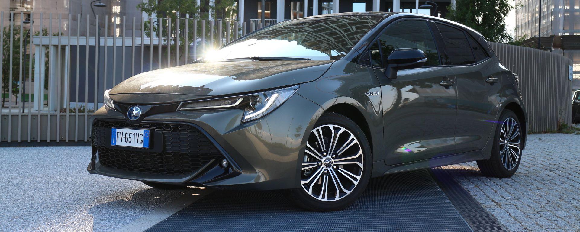 Toyota Corolla Hybrid 2019 vista 3/4