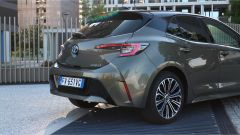 Toyota Corolla Hybrid 2019 vista posteriore