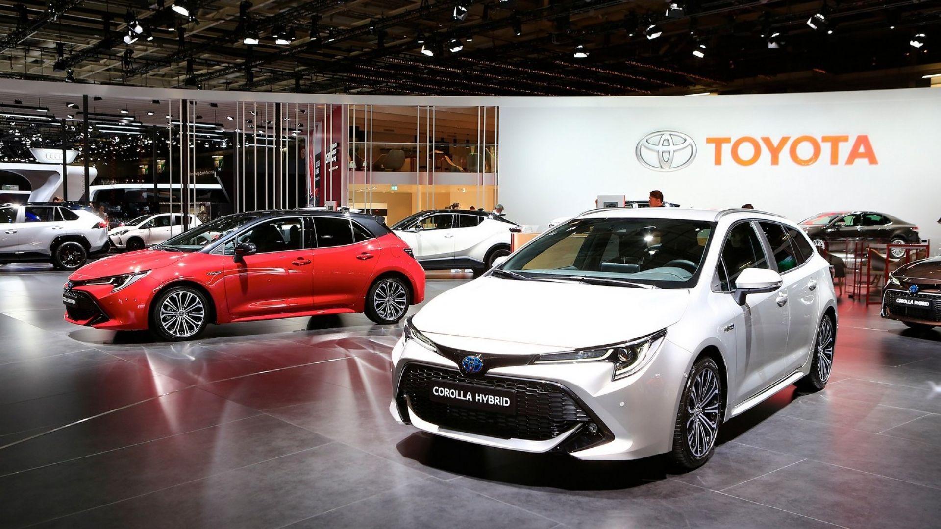 Toyota Chr Hybrid >> Toyota Corolla Touring Sports 2019: motori, interni ...