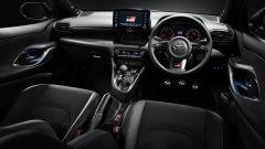 Toyota GR Yaris: gli interni sportivi