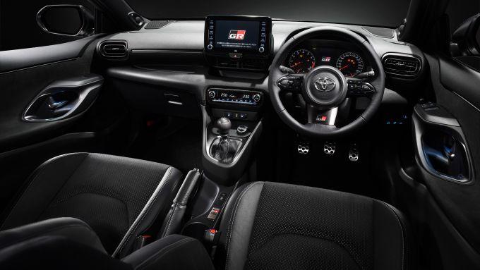 Toyota GR Yaris: gli interni