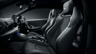 Toyota GR Yaris Morizo Selection, i sedili