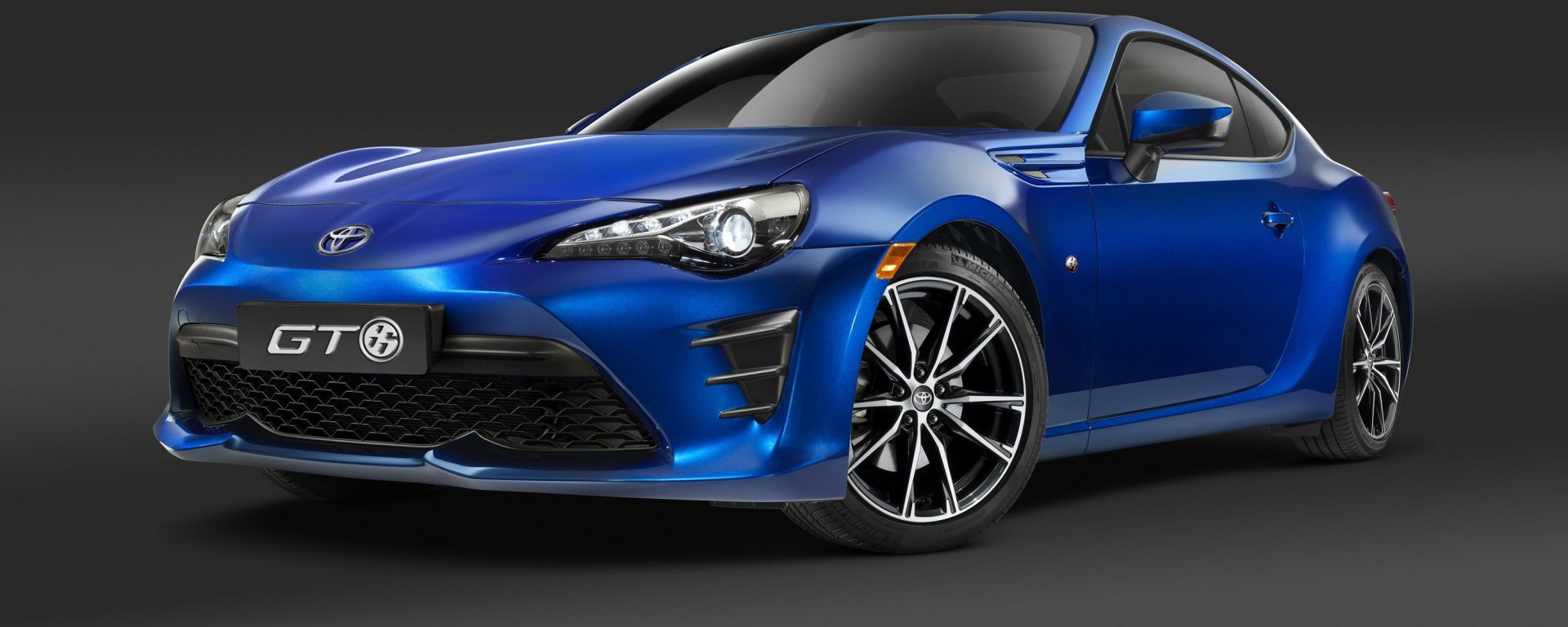 Toyota GT86: il restyling arriva in Italia