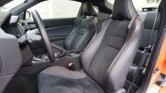 Toyota GT86 - i sedili sono avvolgenti in stile racing