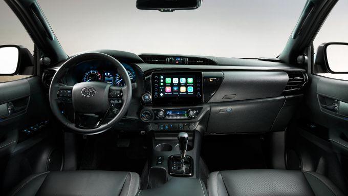 Toyota Hilux: gli interni