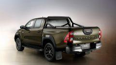 Toyota Hilux: il 3/4 posteriore