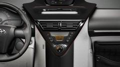 Toyota iQ 2010 - Immagine: 8