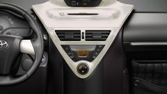 Toyota iQ 2010 - Immagine: 9