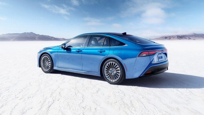 Toyota Mirai 2021: l'auto a idrogeno si fa più potente, ma con una maggiore autonomia