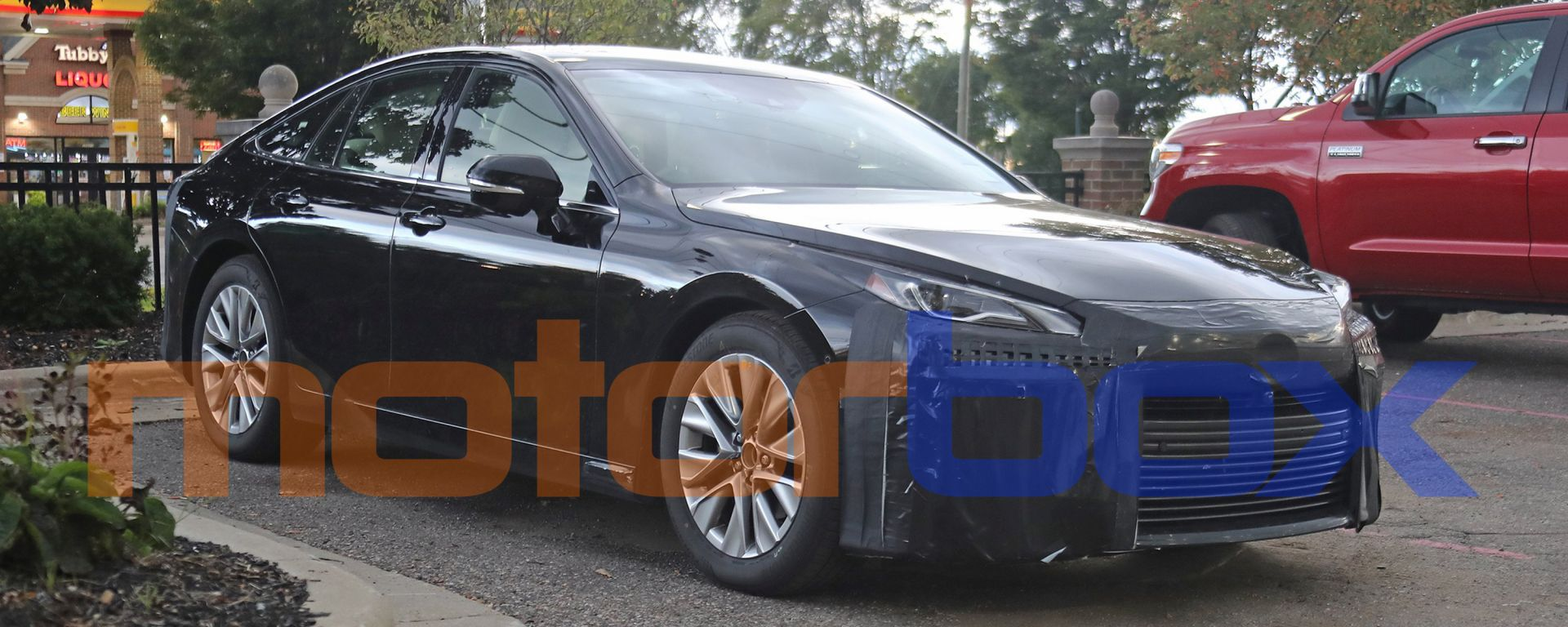 Toyota Mirai 2021: visuale di 3/4 anteriore