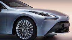 Toyota Mirai: la parte anteriore dell'auto a idrogeno