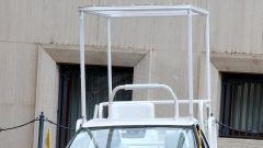 Toyota Mirai papamobile: il tetto modificato
