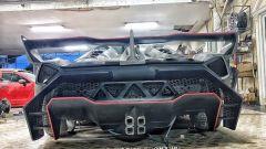 Toyota MR2s replica Lamborghini Veneno Roadster posteriore