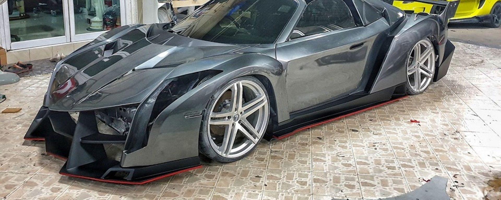 Toyota MR2s replica Lamborghini Veneno Roadster