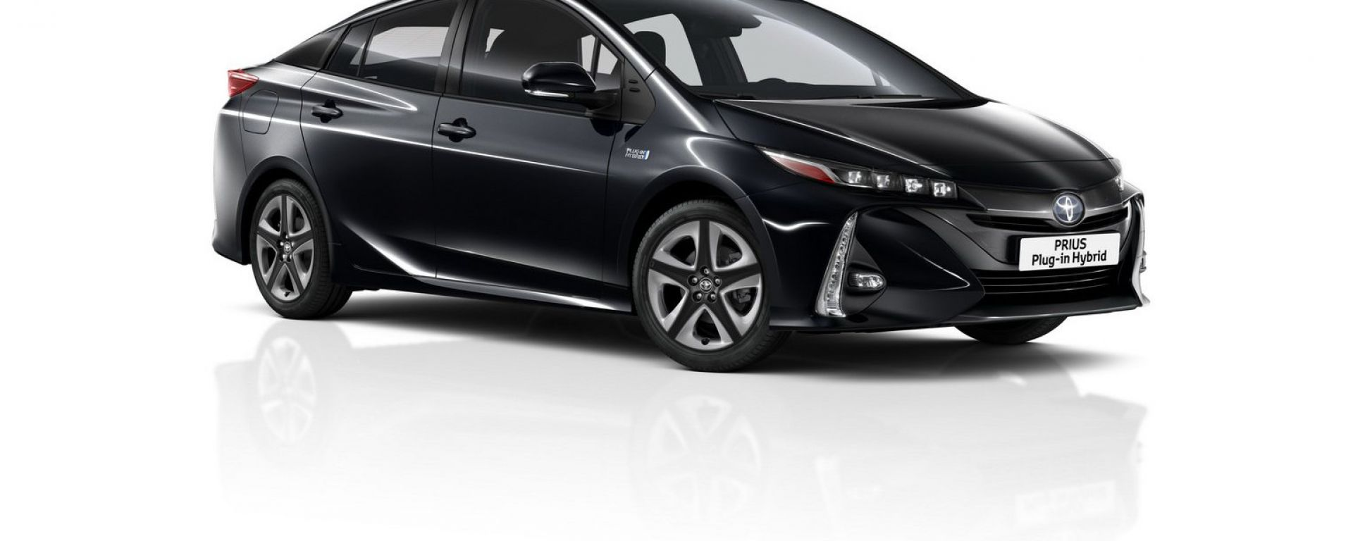 Toyota Prius Phev MY 2019: il nuovo colore