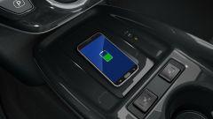 Toyota Prius Phev MY 2019: la ricarica wireless