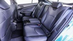 Toyota Prius Plug-In 2017 - la prova su strada, sedili posteriori