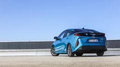 Toyota Prius Plug-In 2017 - la prova su strada, visuale posteriore