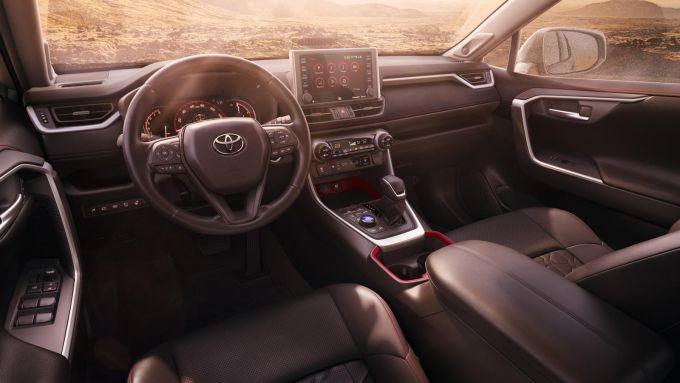 Toyota Rav4 GR: l'abitacolo potrebbe essere simile alla Rav4 TRD