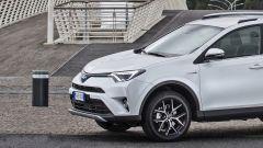 Toyota RAV4 Hybrid 2016: listino ed equipaggiamenti - Immagine: 2