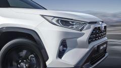 Toyota Rav4 Hybrid 2019 fari anteriori