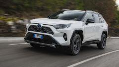 Toyota Rav4 Hybrid 2019: su strada col SUV ibrido - Immagine: 3