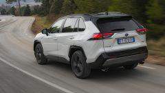 Toyota Rav4 Hybrid 2019: su strada col SUV ibrido - Immagine: 4