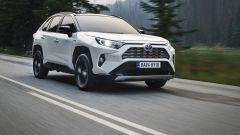 Toyota Rav4 Hybrid 2019: su strada col SUV ibrido - Immagine: 2