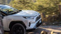 Toyota Rav4 Hybrid 2019: su strada col SUV ibrido - Immagine: 20