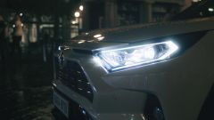 Toyota Rav4 Hybrid 2019: su strada col SUV ibrido - Immagine: 26
