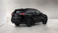 Toyota RAV4 Hybrid Black Edition: domina il nero, cerchi da 19