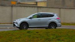 Toyota RAV4 Hybrid: in città si tocca una percorrenza di 21 km/l