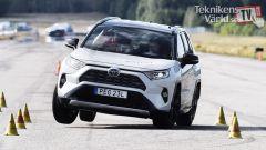 Toyota RAV4 Hybrid, la prova dell'alce dei tester di Tekniken Varld