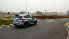 Toyota RAV4 Hybrid: l'assetto è sempre morbido