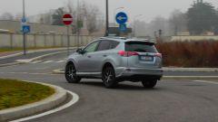 Toyota RAV4 Hybrid: l'autonomia in elettrico è di circa 2 km
