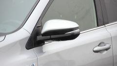 Toyota RAV4 Hybrid: lo specchietto con indicatore di direzione integrato