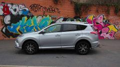 Toyota RAV4 Hybrid: vista laterale