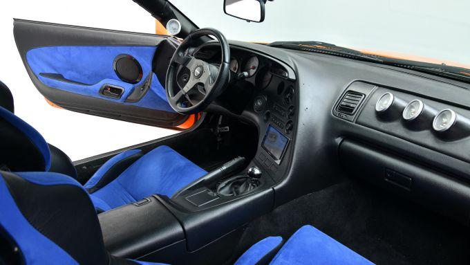 Toyota Supra 1994: gli interni