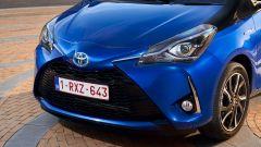 Toyota Yaris 2017: dettagli del frontale rinnovato