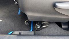 Toyota Yaris 2017: gli ancoraggi dei sedili anteriori sono un po' in vista
