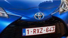 Toyota Yaris 2017: il logo è più evidente